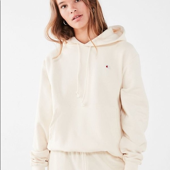 b4bab31966be Champion Tops - New Champion   UO Reverse Weave Hoodie in Cream